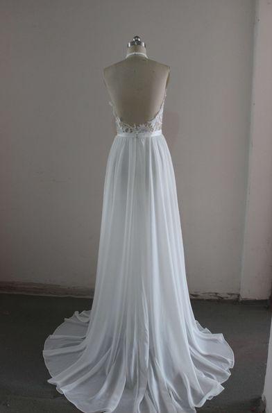 sexy bílé svatební či společenské šaty s holými zády - plesové šaty ... 6366b8185f